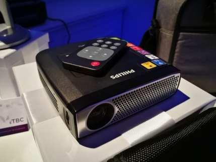 Philips PicoPix 4935 Wireless Portable Projector - £399