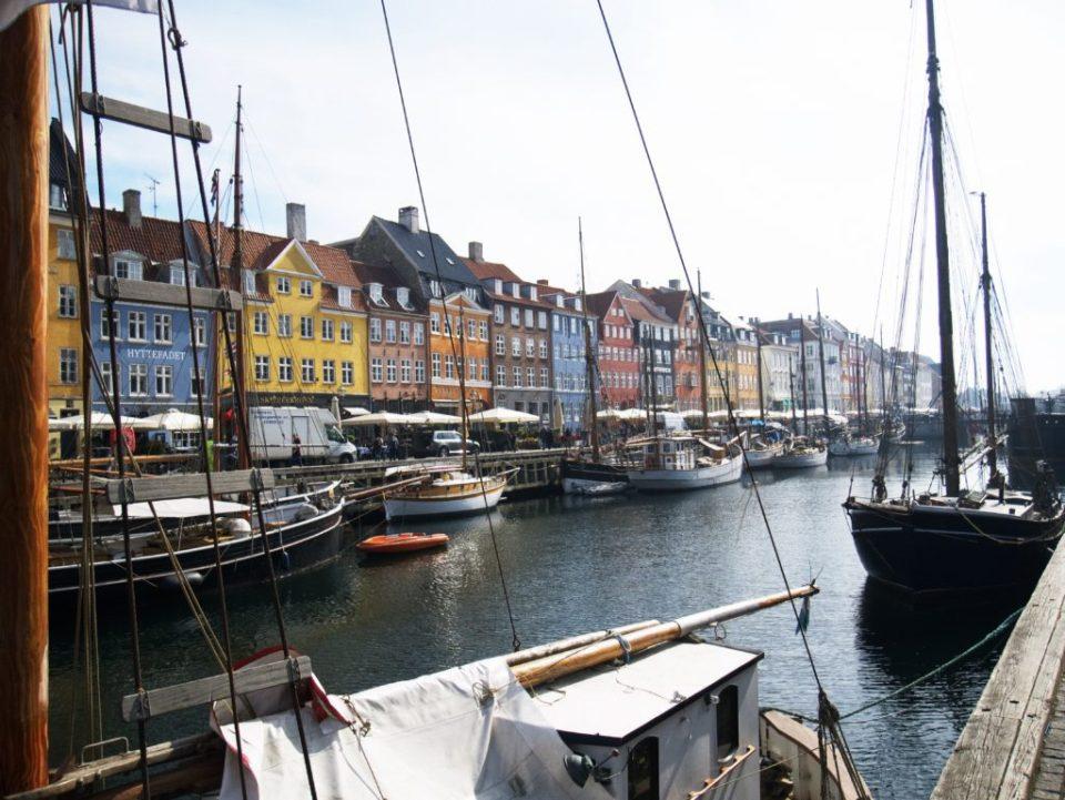 Vue du canal du quartier de Nyhavn à Copenhague