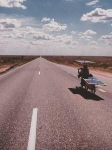 Laurent et Silky One sur la route au Kazakhstan