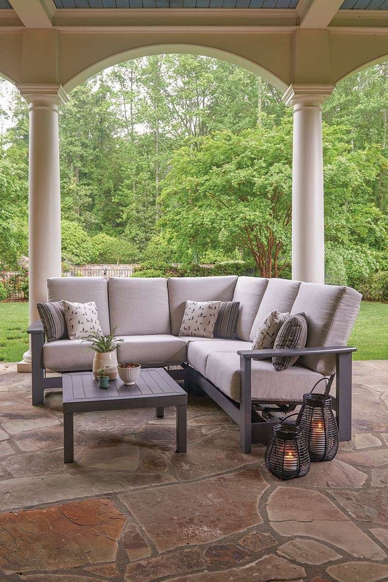 patio furniture specialist in montreal