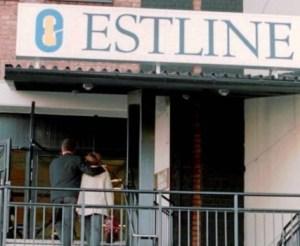 En la mañana de la tragedia, los familiares y amigos acudían a la terminal de Estline en Estocolmo. Muchos no sabían que el «Estonia» se había hundido. (Foto: Agencias) - Pulsar para ampliar -