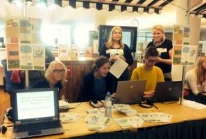 Grupo de estudiantes de doctorado que trabajan con el proyecto Micrela en la Universidad de Groningen (Países Bajos) (Foto: Micrela)