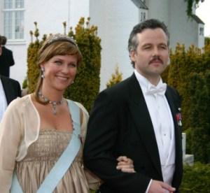 La princesa Marta Luisa de Noruega y su marido Ari Behn en la boda de los príncipes daneses Joaquín y Marie de Dinamarca el 24 de Mayo del 2008 en Møgeltønder. (Foto: © M.Mielgo- JM Noticias)