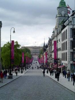 Oslo es la ciudad más cara del mundo. En la foto, la conocida calle de Karl Johan. (foto: Turist info)