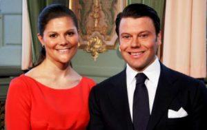 La princesa Victoria de Suecia y su marido Daniel Westling, ahora príncipe Daniel, el día de su compromiso. (Foto: Casa Real Suecia)