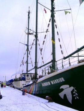 El famoso buque M/S Rainbow Warrior, atracado en el muelle de Havnegade (Calle del Puerto) de Copenhague, donde se realizó la entrevista y posterior rueda de Prensa (Foto: MM - ©JMNoticias)