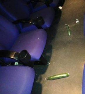 Los dos pepinos españoles encontrados en la sala de cine tras la proyección de Fifty Shades Darker. Foto: Cortesía de Fredrikstad Kino