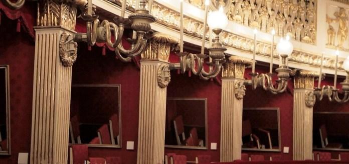 21. Teatro San Carlo de Naples, Loges et miroirs (bourbons)