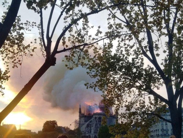 1280px-Incendie_de_Notre-Dame-de-Paris_15_avril_2019_20