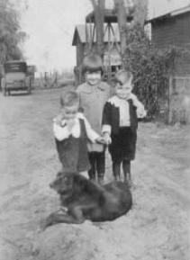 Siblings - My dad is the youngest in this picture.  Around 1926 or so.