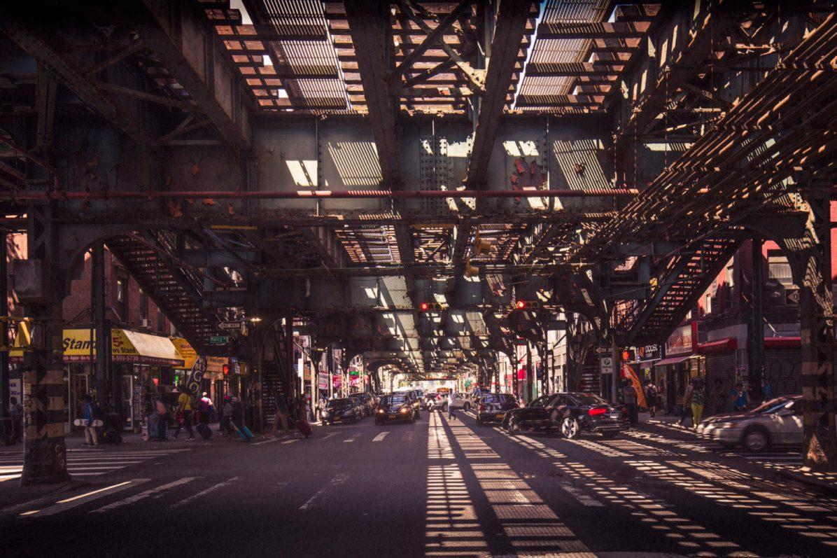 Under the subway, Brooklyn, New-York
