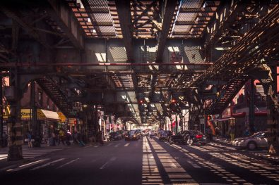 Under the subway, Brooklyn, New-York