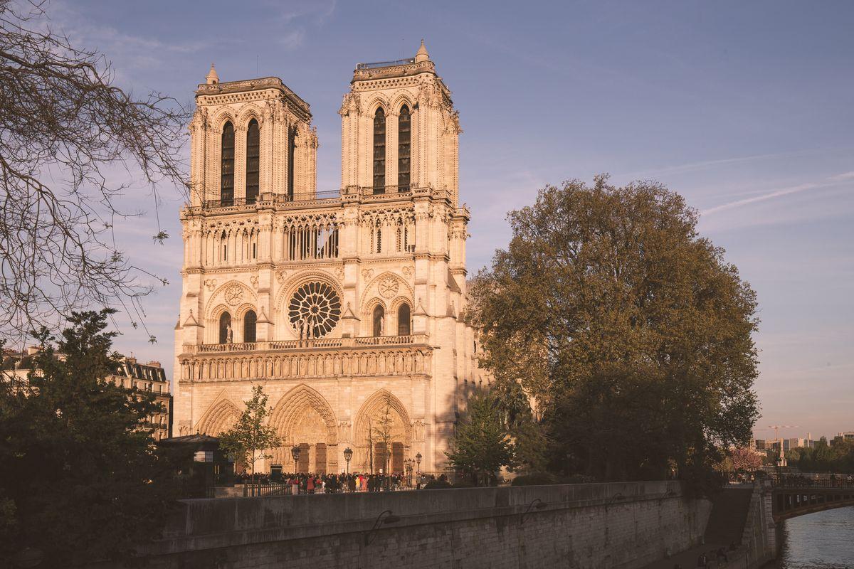 La cathédrale Notre-Dame vue de face