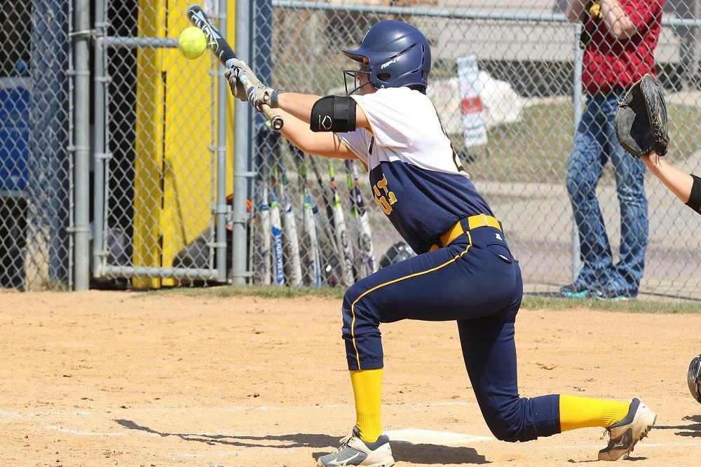 AUGUSTANA UNIVERSITY Softball Sweeps UMC Stays Perfect