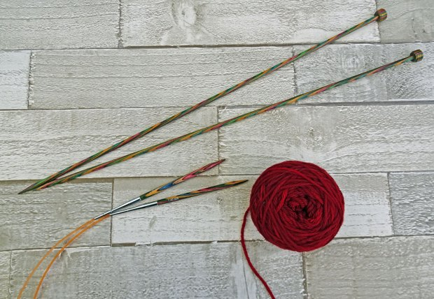 Learn-to-Knit-for-Beginners---yarn-and-needles.jpg