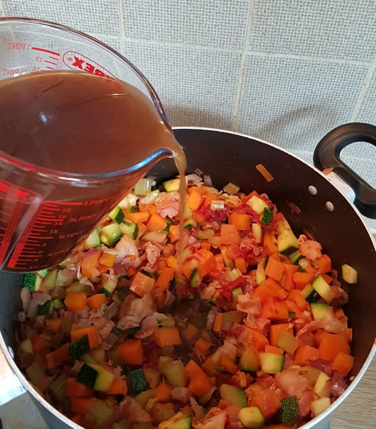 minestrone-and-bacon-soup-stock-in.jpg