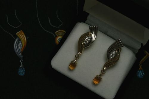final earrings with renderingresized2