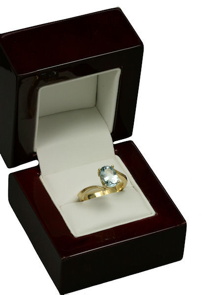 Photo 18K Yellow Gold and Aquamarine Engagement Ring Designed by Joana Miranda