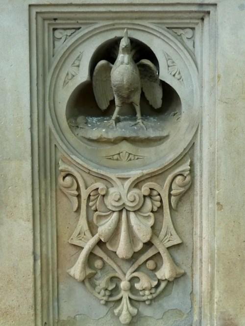 Photo of stone bird at Bethesda Fountain, taken by Joana Miranda