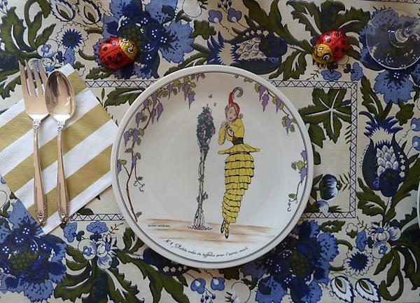 Photo of cute vintage lady plate, taken by Joana Miranda