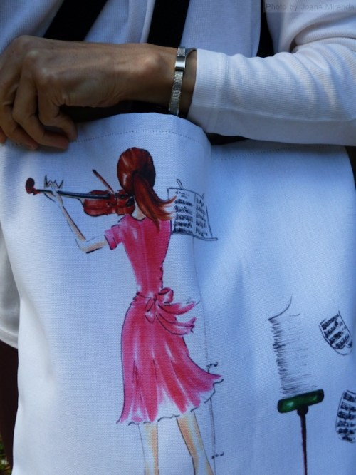 Close up of The Practice Session tote bag