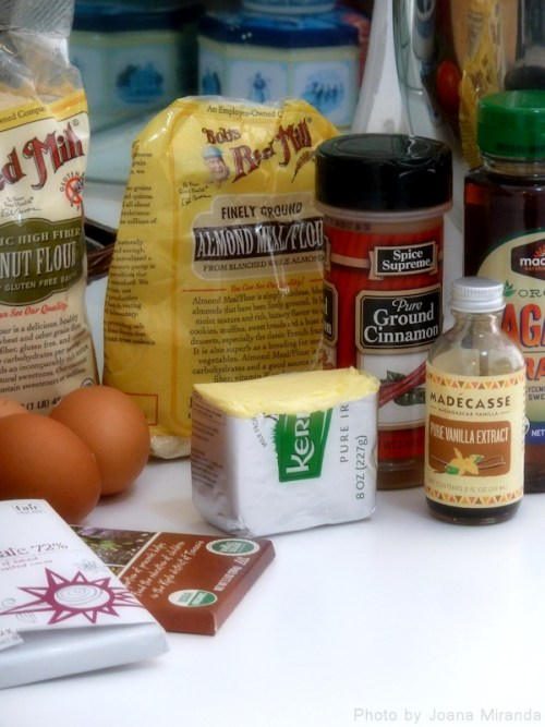 ingredients for paleo almond chocolate cookies