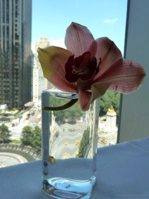 table flower at Robert restaurant