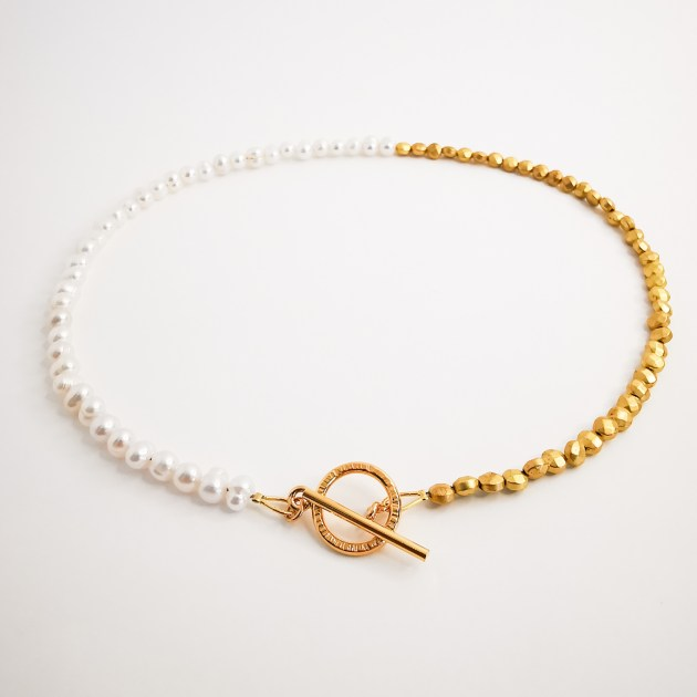 Gold plated neckalce with gemstones