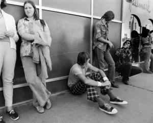 1974012032 Bus Stop ABQ 1974-12(32) 1974