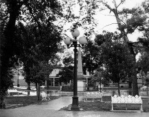 1976012007 Santa Fe Plaza in the Rain 1976-12(7) 1976
