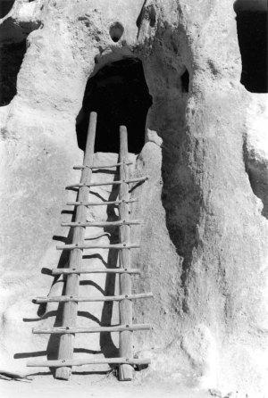 2003025003 Bandelier Ladder I, NM 2003