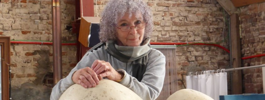 Joanika Ring in haar atelier
