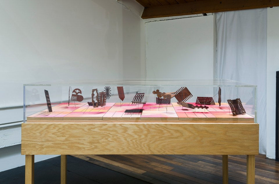 Installation view of Galería Perdida: I want to blush, f***ers, 2016, JOAN vitrine, Los Angeles, Photo by Jeff McLane.
