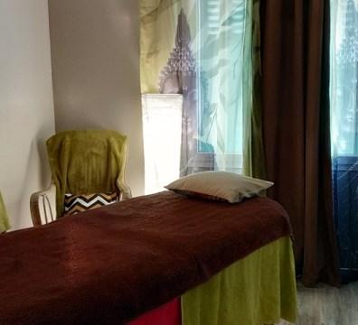 Des tons pour emmener l'esprit à se reposer, à recevoir le bien-être du massage et des soins énergétiques