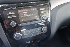 Nissan Rogue music console