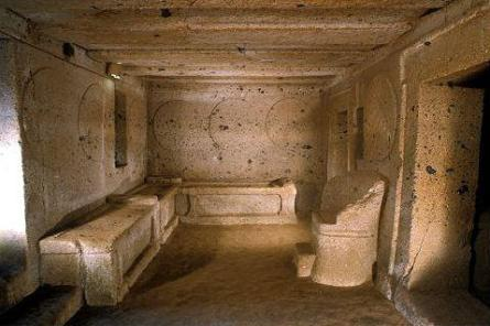 6-13_interior_of_the_central_room_tomb_of_the_shields_and_the_chairs1319741472914