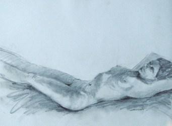 2011-0622 Lying back, feet on stool