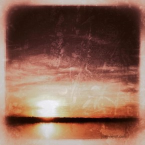 Photo of the sunrise over the Choctawhatchee Bay, dramatized with Snapseed App