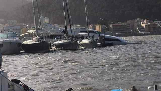 34m yacht sinking in Port d'Andratx, Mallorca, Spain