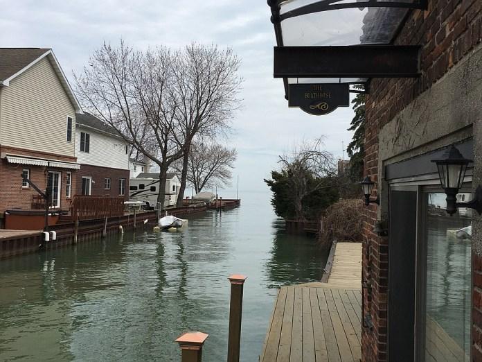 Back deck/Lake St Clair