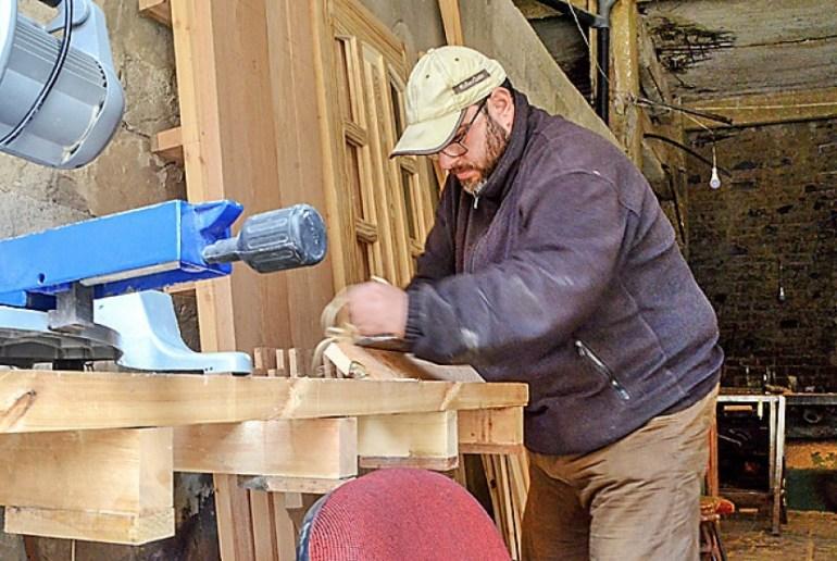 gaji tukang kayu