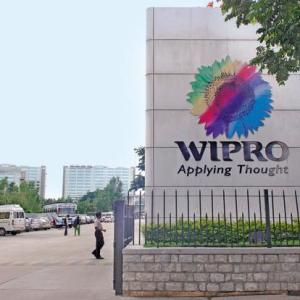 Wipro Walk-in-interviews As Technical Service Desk For BE/BTech/Any degree (1-4 years) In Bangalore & Pune On 7 December 2019