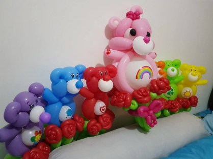 Balloon sculpture Care Bear with Roses