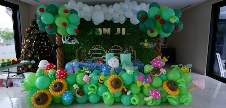 Grand Insect themed Balloon Decorations