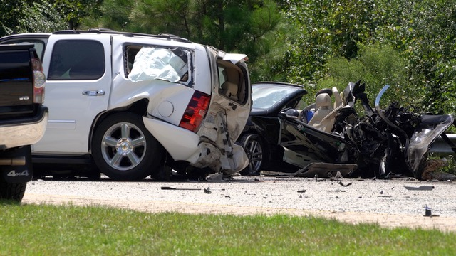 3 Killed, Numerous Injured In Multi-Vehicle Crash On I-40