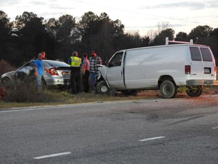 Accident - Glen Laurel Road, Vinson Road 12-12-20-3M
