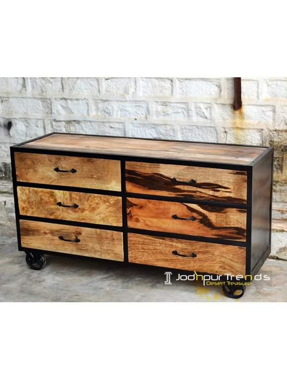 Wooden Chest in Rough Finish | Furniture Industrial