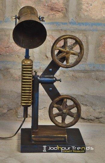 Artistic Design Metal Table Lamp Design