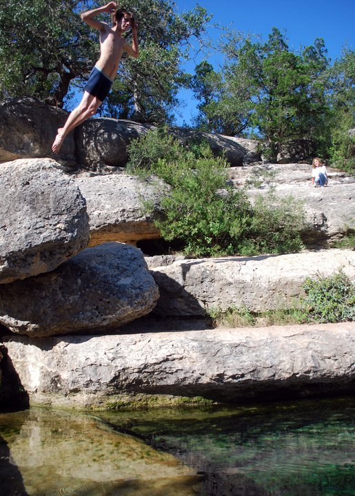 swimming holes in Texas - Jacob's Well in Wimberley
