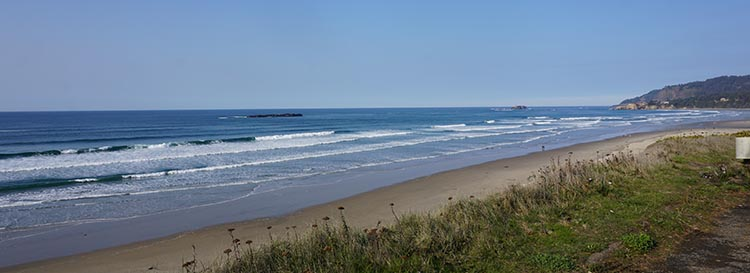 Review of Beverly Beach State Park, near Newport, Oregon. Beverly Beach is great for long walks